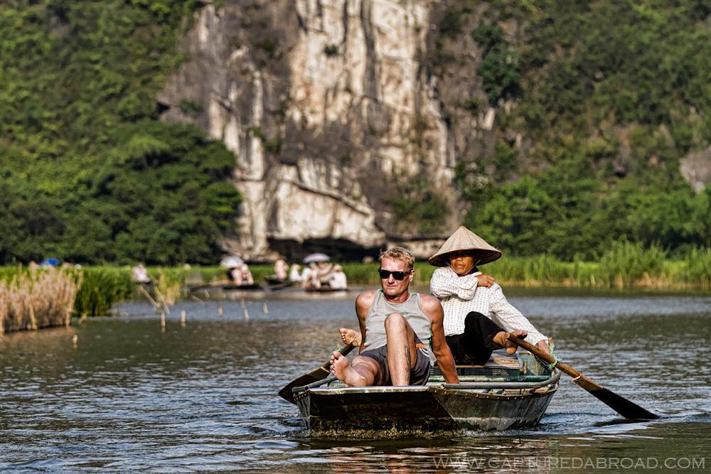 Ninh Bin Tam Coc boatride