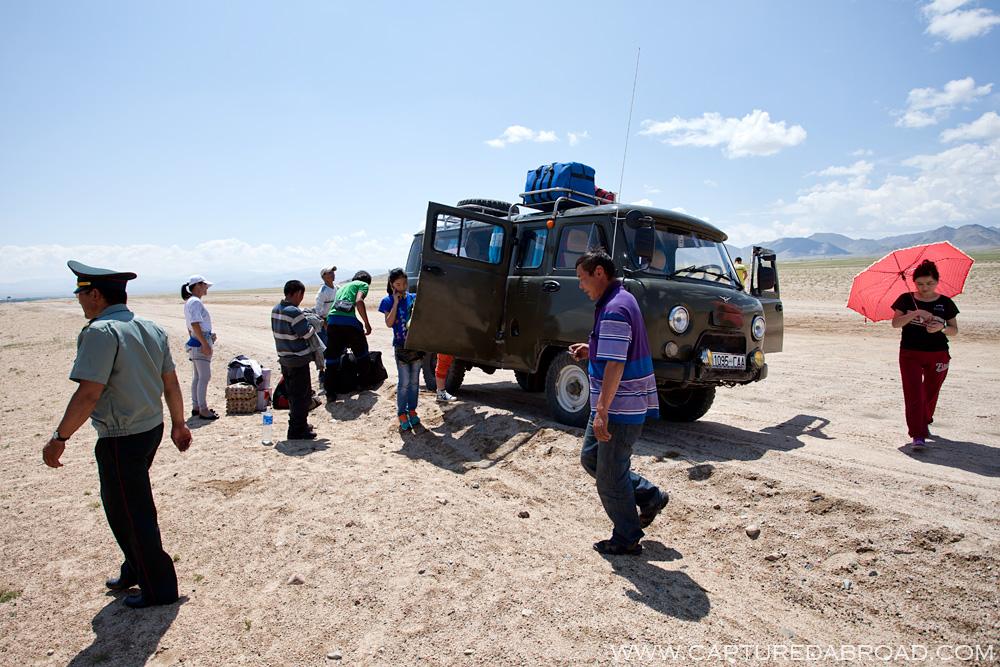 Car swap, mongolian policeman, enroute to olgii