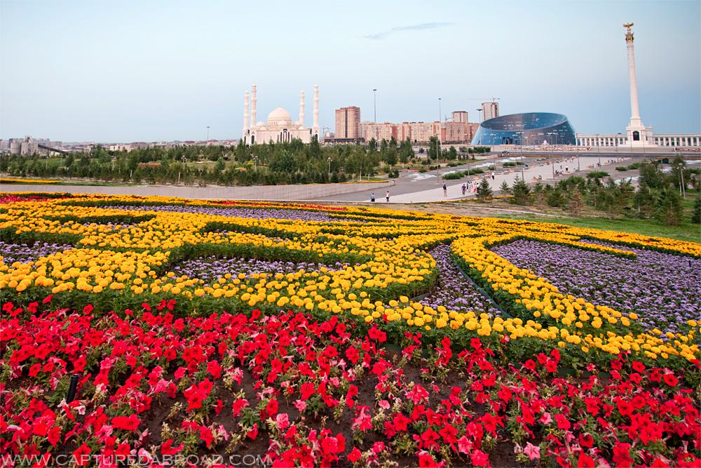 Kazakhstan-Astana-flower-bed-mosque